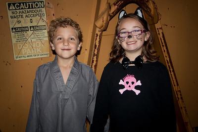 photo finn and ava halloween 2010 SM