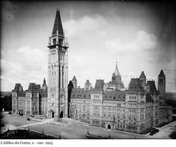 Centre Block - L'édifice du Centre, 1927