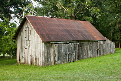 This small barn is the oldest structure on Avery Island, probably built in the late 1700's or early 1800's.  It was built using pegs, rather than nails.