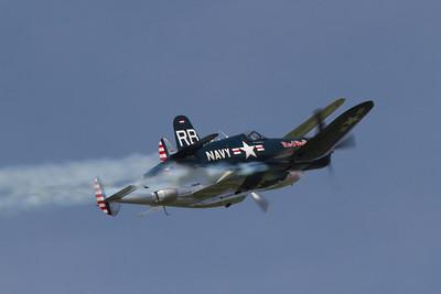 F4U-4 Corsair / P-38L Lightning