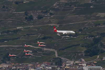 Helvetic Airways / Embraer ERJ-190LR / Patrouille Suisse