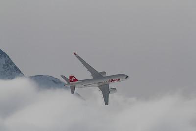 Swiss / HB-JBA / Bombardier CS100