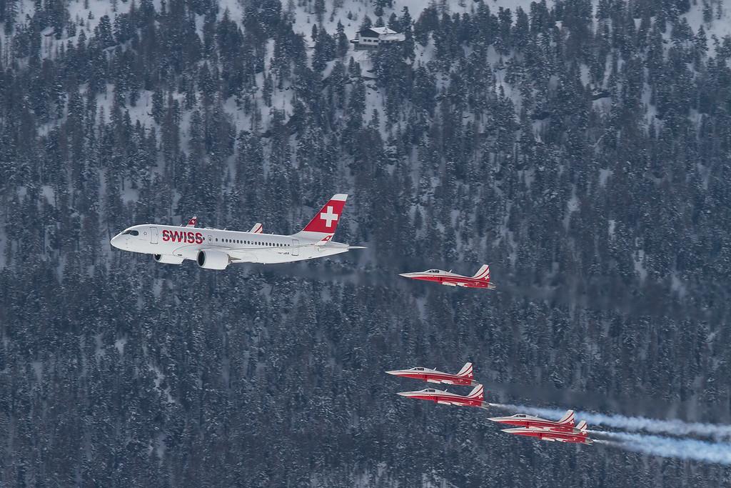 Swiss / HB-JBA / Bombardier CS100 / Patrouille Suisse