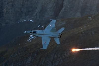F/A-18C mit Flare