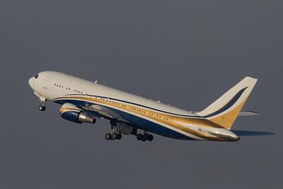 Boeing / 767-24Q(ER) / Mid East Jet / N767KS