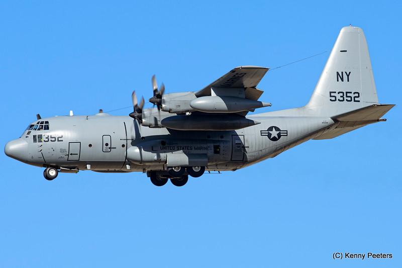 165352 KC-130T MARINES VMGR-452
