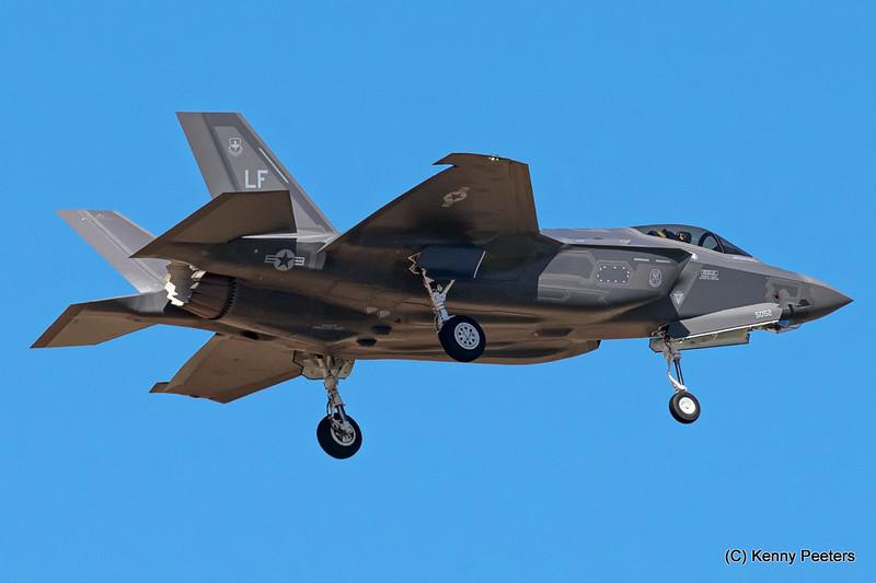"12-5052  F-35A USAF  61st FS  ""Top Dogs"""