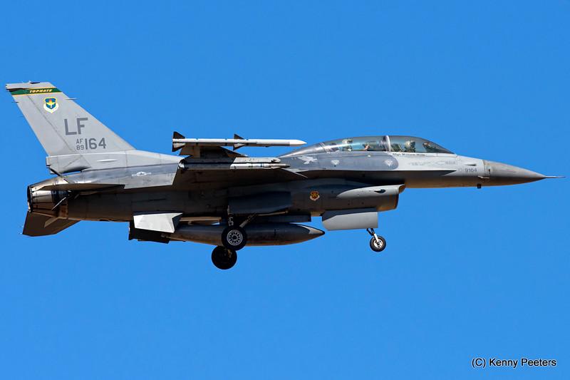 "89-2164  F-16D USAF  310th FS  ""Tophats"""