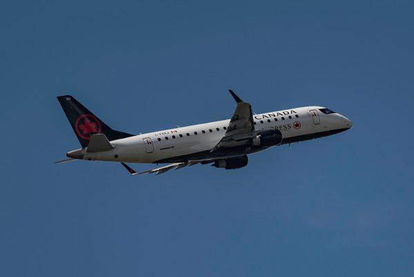 Air Canada Express E175
