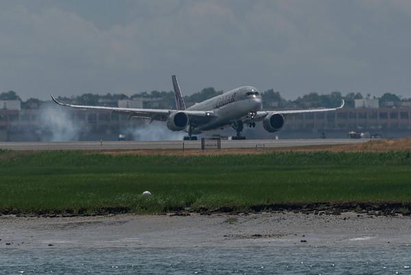 Qatar A350-900 arriving at BOS.
