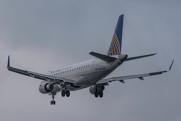 United Airlines E170