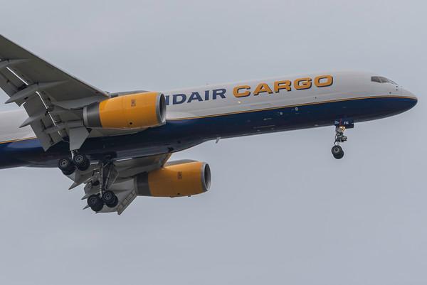 Icelandair Cargo 757 Landing at BOS