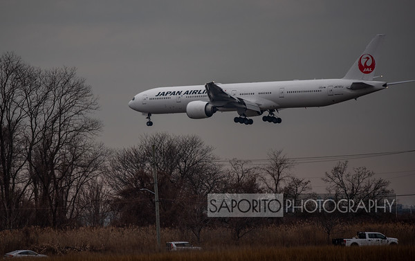 Japan Airlines 777-300