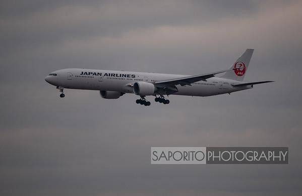 Japan 777-300