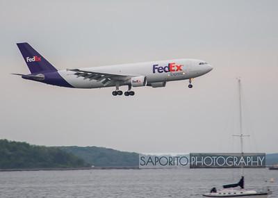 FedEx A300