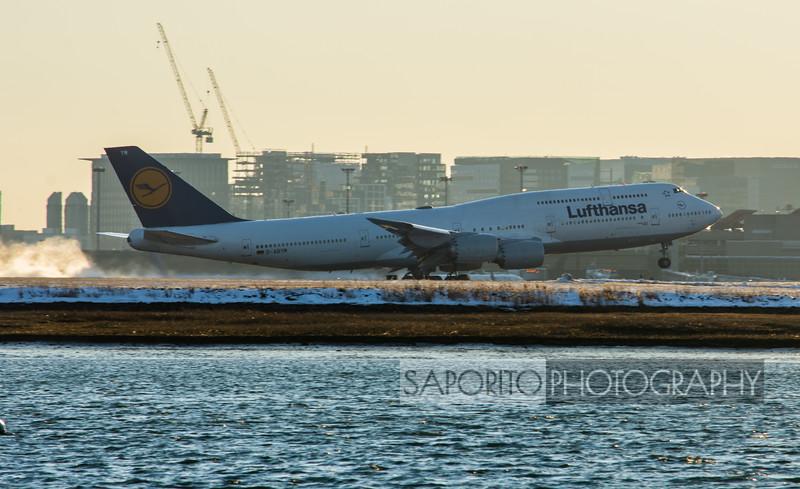 Lufthansa 747-8 Rotates