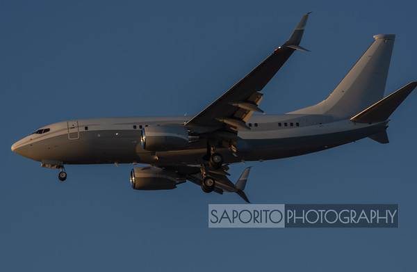 737-700 on final