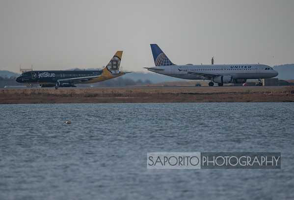 JetBlue and United A320s