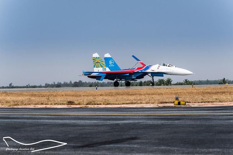 4/11 Sukhoi SU-27