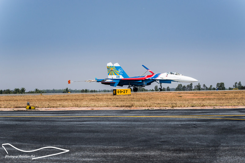 6/11 Sukhoi SU-27