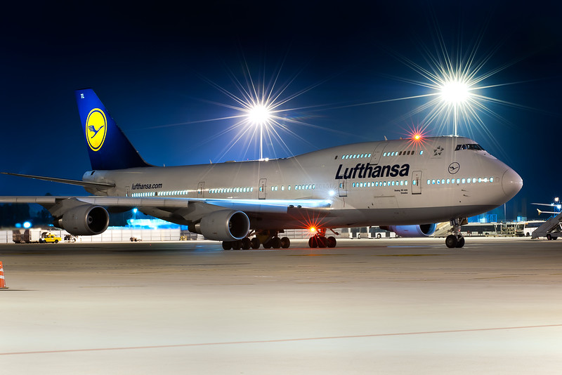 Lufthansa 747 Deady to Depart - Tripod mounted shot