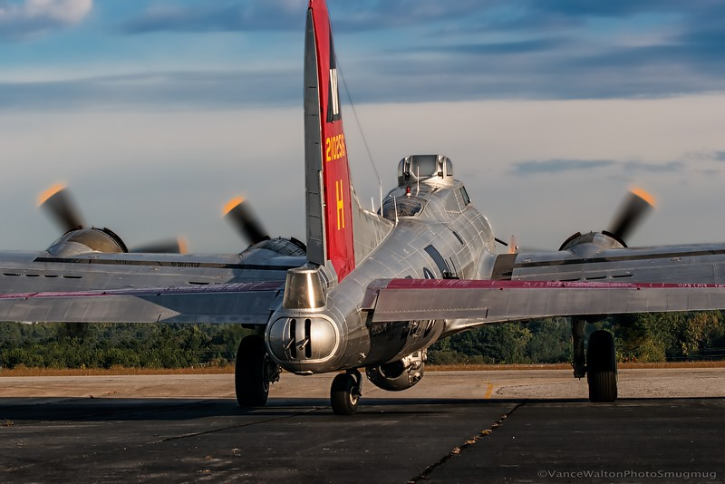 EAA B-17 Aluminum Overcast Taxies Out