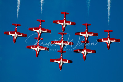 RCAF Snowbirds Perform 9 Ship 'Big Diamond' Formation At Airshow London 2017