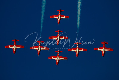 RCAF Snowbirds Perform 7 Ship 'Cross' Formation At Airshow London 2017