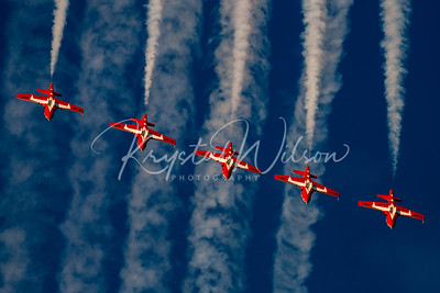 RCAF Snowbirds Perform 5 Ship 'Five Line Abreast' Formation At Airshow London 2017