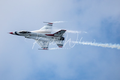 USAF Thunderbirds Perform Solo Pass At CIAS 2018