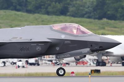 Lockheed Martin F-35 Lightning II (Sandy Tambone)