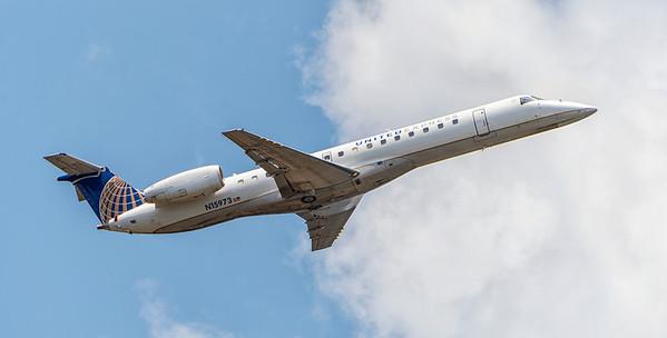United Express Embraer EMB-145LR