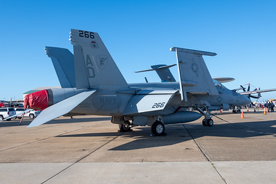 F/A-18F - Red Rippers