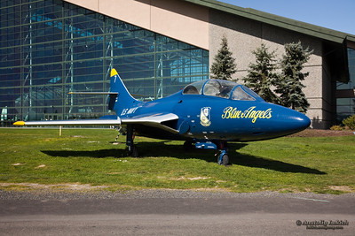 Grumman TF-9J Cougar used to be flown by the Blue Angels ( Winter 1954-55-mid-season 1957). Grumman TF-9J Cougar fighter trainer aircraft on display on the grounds of the Evergreen Aviation Museum in McMinnville, Oregon