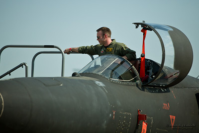 SACRAMENTO, CA - SEPT 10: U-2S Spyplane and its pilot on display during California Capital Airshow on September 10, 2011 at Mather Airport, Sacramento, CA.