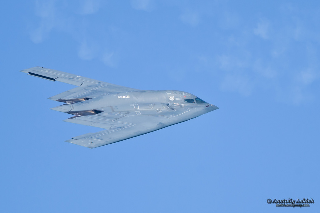 http://lukich.smugmug.com/Aviation/2011-San-Francisco-Fleet-Week/i-2fHNJ29/1/XL/201110080997-XL.jpg