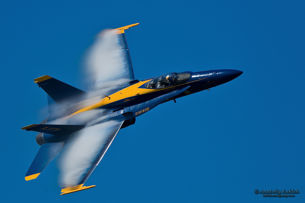 IMAGE: http://lukich.smugmug.com/Airshow/2011-San-Francisco-Fleet-Week/i-cLFwcvc/0/XL/201110075514-XL.jpg