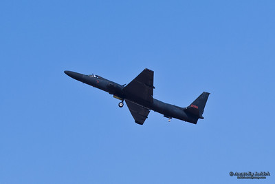 SACRAMENTO, CA - SEPT 8: U-2S Dragon Lady Spyplane flyby during California Capital Airshow on September 8, 2012 at Mather Airport, Sacramento, CA.