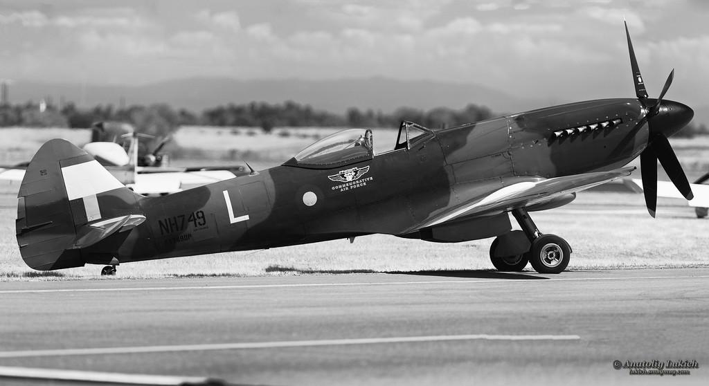 IMAGE: http://lukich.smugmug.com/Aviation/2012-California-Capital/i-jCtSFqR/0/XL/20120908_6987-7012_016_Panorama1-XL.jpg
