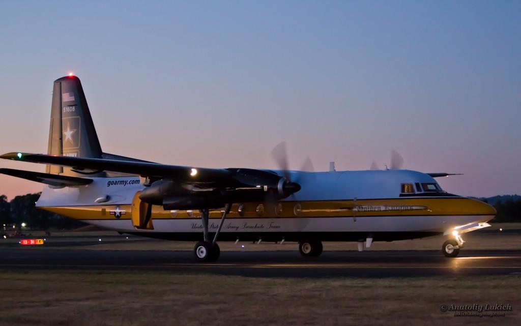 IMAGE: http://lukich.smugmug.com/Aviation/2012-Oregon-International-Air/i-tsb8rft/0/XL/201208037388-XL.jpg