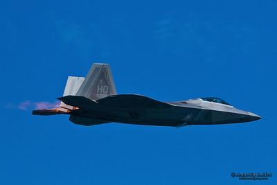 SAN FRANCISCO, CA - OCTOBER 6:  USAF F-22 Raptor aircraft demonstration during Fleet Week in San Francisco, CA on October 6, 2012