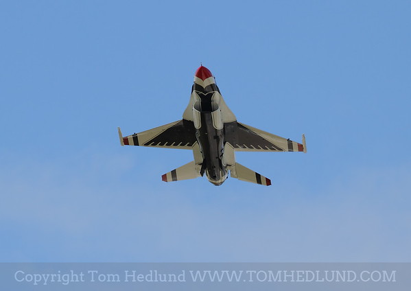 F-16 of the United States Thunderbirds on Fridays practices