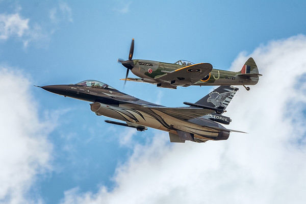 Heritage Flight, Supermarine Spitfire and F-16, Belgian Air force