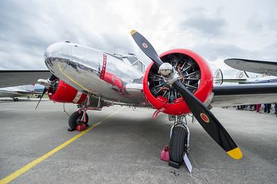 Le Beechcraft Model 18 est un bimoteur de transport léger américain développé durant l'Entre-deux-guerres. Produit en très grande série durant la Seconde Guerre mondiale comme avion de transport mais aussi d'entrainement, il a connu une très longue carrière, les derniers exemplaires ne sortant d'usine qu'en 1969.