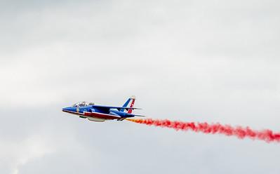 L'Alpha Jet est un appareil militaire de conception franco-allemande (Dassault Aviation - Dornier), destiné à l'entraînement ou à l'attaque au sol. Il a été construit à environ 500 exemplaires, utilisés par une dizaine de pays différents et équipes, dont la Patrouille de France depuis 1981. Source wikipedia: http://fr.wikipedia.org/wiki/Alpha_Jet