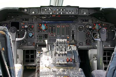 KLM_Boeing-747-206BM_PH-BUK_cockpit_20070901_EHLE_CRW_10190_WVB_1200px_edit2