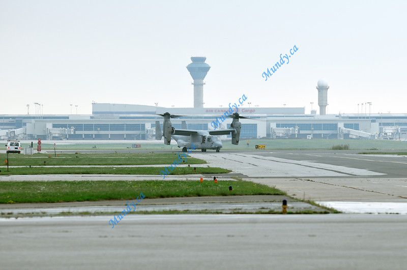V-22 Osprey arrives for its first appearance at an air show in Canada.