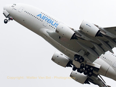 Very steep climb-out by this Airbus A380-841 (F-WWOW; cn001) during the 51st Paris Air Show.