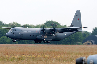 A Royal Danish Air Force C-130J-30 (B-538, cn382-5538), about to land on Volkel's runway (Luchtmachtdagen 2013).