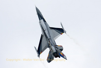 "The Belgian Air Force ""Solo Display"" F-16AM (FA-84; cn6H-84), piloted by Cpt R. ""Grat"" Thys, is climbing vertically, during the display at BA133 (Nancy-Ochey)."